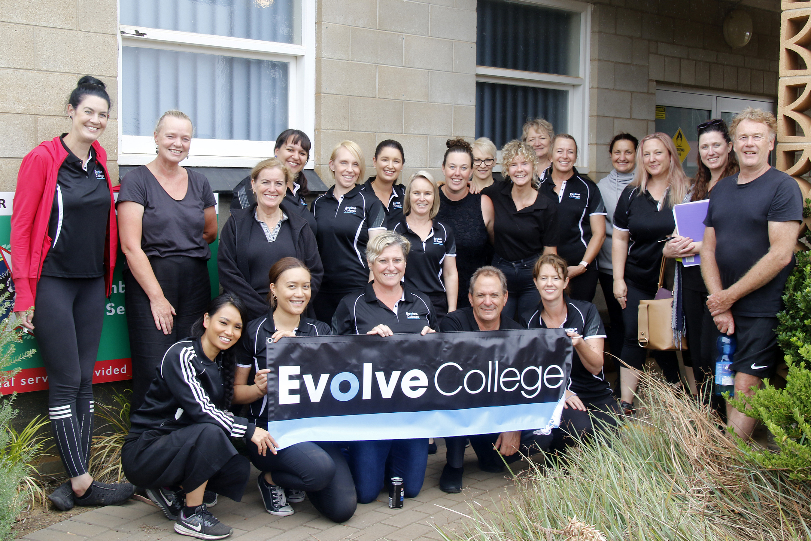 Evolve trainer takes massage to the bushfire affected Kangaroo Island
